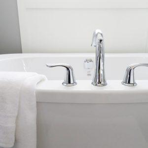 bathroom-bathtub-ceramic-chrome-534116